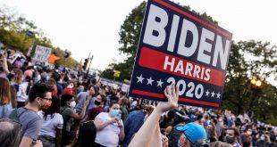 Simpatizantes de Joe Biden celebran la victoria preliminar del candidato demócrata en las elecciones presidenciales de 2020 de EE.UU., el 7 de noviembre de 2020.
