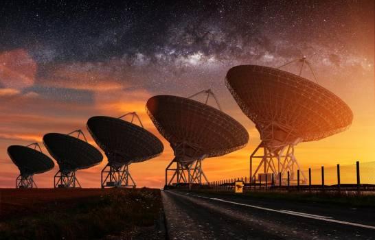 Esta detección de radio abre una nueva ventana a los exoplanetas. (SHUTTERSTOCK)