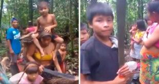 Pueblo indígena colombiano emberá eyabida desplazado de su comunidad.